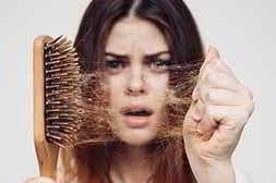 Линоксидил предотвращает выпадение волос
